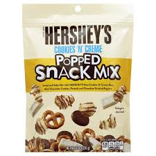 Hershey's Cookies and Cream Popped Snack Mix 226g